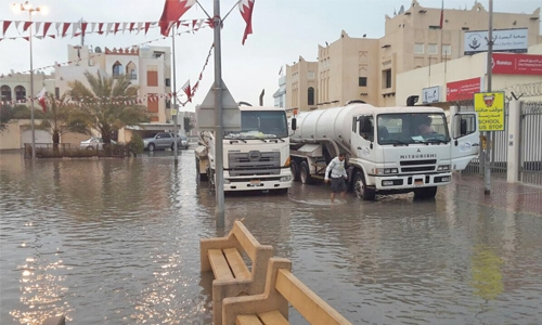 Record rain pounds Bahrain