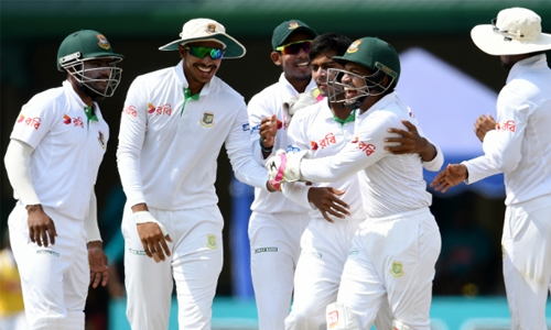 Bangladesh 38-2 at lunch against Sri Lanka