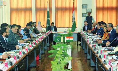 Pakistan, India hold 'positive' talks on Sikh visits