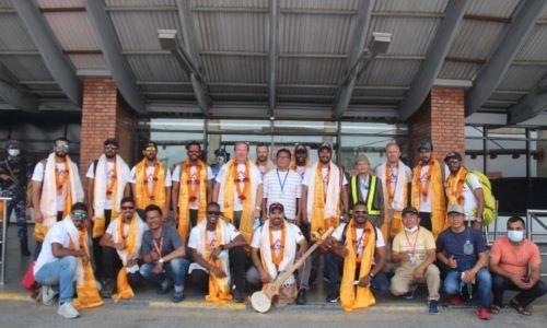 HH Shaikh Nasser welcomes Bahrain Royal Guard Everest team's return