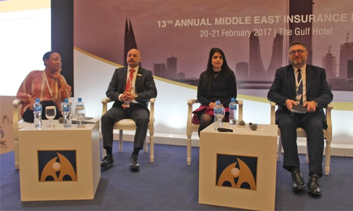 Insurance experts address challenges