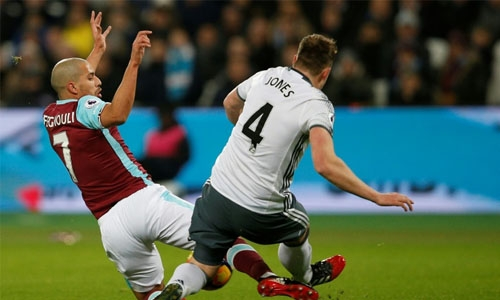 West Ham to appeal Feghouli red card