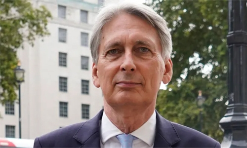 Former UK finmin Hammond to stand down as lawmaker