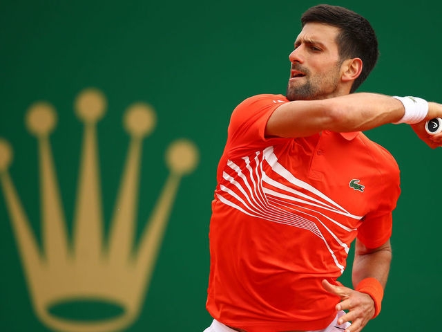 Djokovic battles past Kohlschreiber