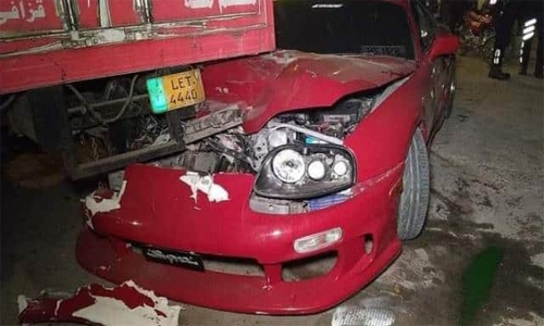 Pakistan all-rounder Shoaib Malik's sports car rams into truck