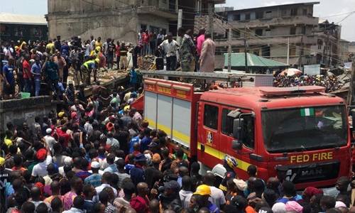 100 children feared trapped as school collapses in Lagos