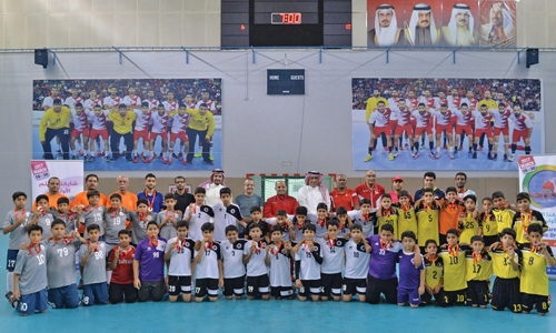 Barbar clinch handball title