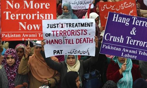 Pakistan hangs four militants