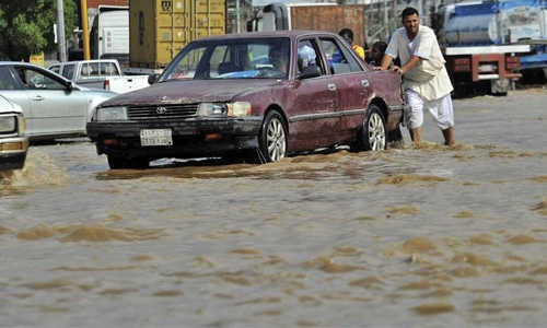 Heavy rain lashes Saudi