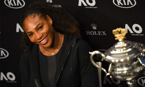 Pregnant Serena back in world number one spot