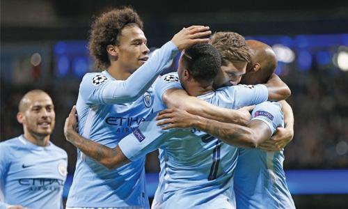 Manchester City stun Napoli