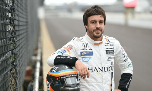 Alonso does 'very well' in Le Mans car