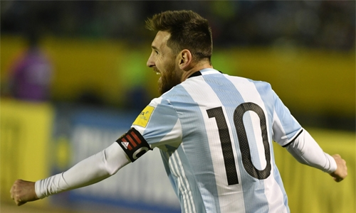 Messi lifts Argentina  into World Cup berth