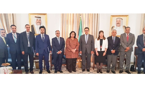 Bahrain-Kuwait relations discussed