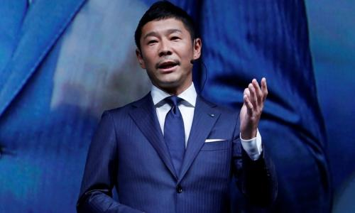 Japanese billionaire to be SpaceX's first Moon tourist