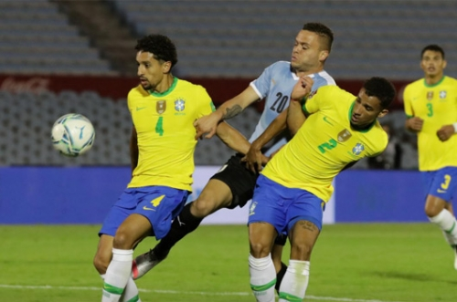 Brazil beat Uruguay 2-0 to stay top of qualifying group