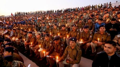 India mourns dead soldiers