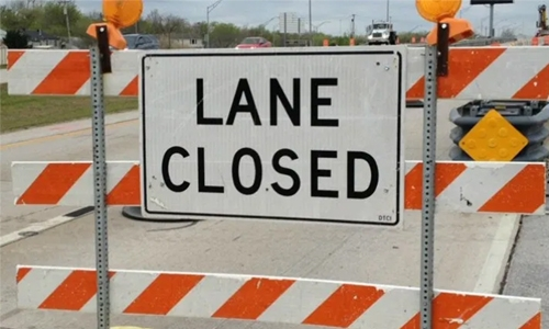 Lane closure on King Faisal Highway