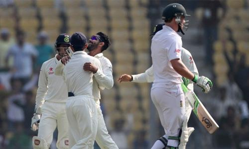 India tighten screws on South Africa