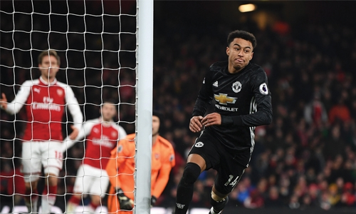Manchester United win Arsenal thriller
