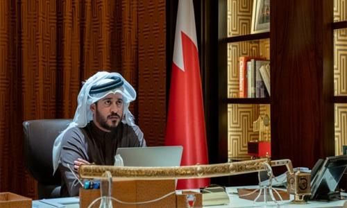 Shaikh Khalid hails Finance Minister efforts in progress