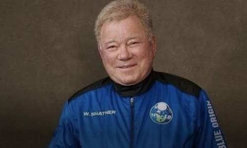 90 year old ' Star Trek' actor William Shatner  becomes the oldest person to fly to space
