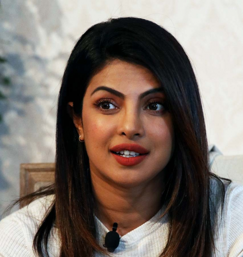 Priyanka Chopra to donate $100,000 to women doing their bit in health crisis
