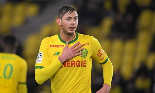 Cardiff striker Sala feared missing in plane crash: Police