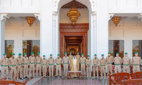 HM King receives Royal Guard Team; hails Bahrainis' achievements