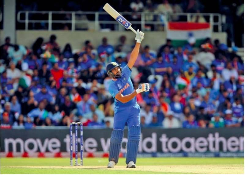 India pile tons on Sri Lanka