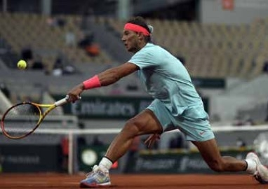 Nadal, Serena win openers as Thiem aces early test
