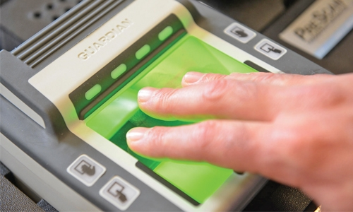 Bahrain police provide fingerprint scanners