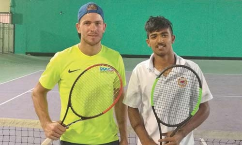 Bahrain's Abdul Redha beats Loohuis to clinch men's title