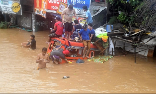 #VintaPH kills more than 100 dead in mudslides, flooding