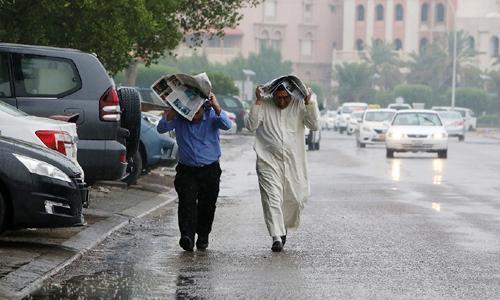 Kuwait halts flights as torrential rains lash region