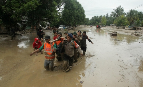Flash floods kill at least 16, displace hundreds in Indonesia