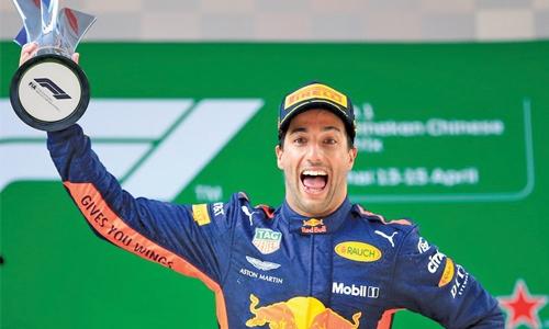 Ricciardo wins wild Chinese GP