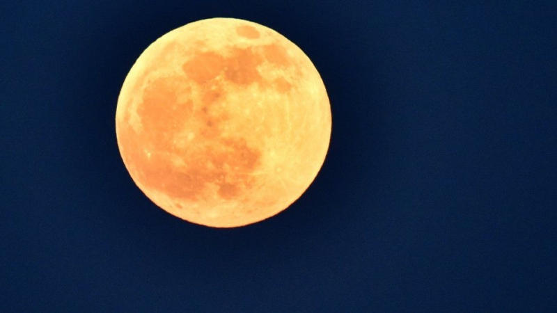 Wolf moon: Full moon and lunar eclipse delight skywatchers