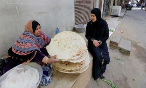 Ramadan helps Egyptian women bakers make ends meet