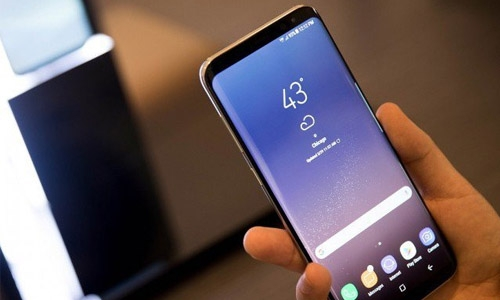 Samsung's Galaxy S8 hits stores, aims to move on from recall crisis