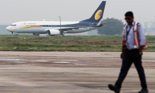 India's Jet grounds four planes after failing to pay lessors