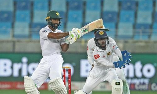Shafiq, Sarfraz revive Pakistan