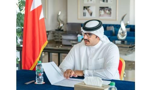 HH Shaikh Isa bin Salman reviews REHC's readiness ahead of horseracing season