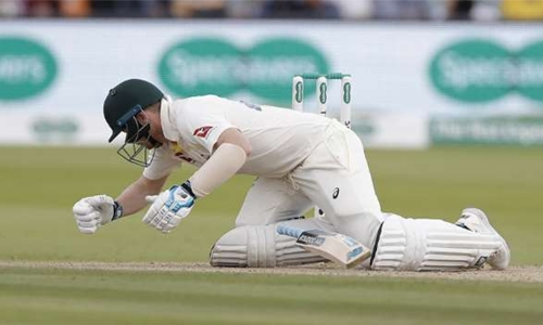 'Groggy' Smith out of second Ashes Test final day with concussion