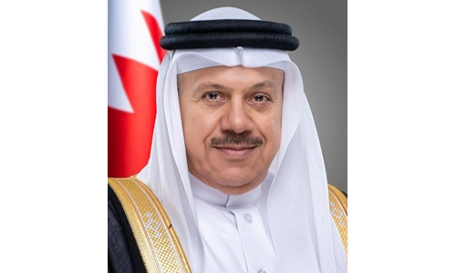 Bahrain FM urges Qatar to heed Gulf unity in its foreign policy