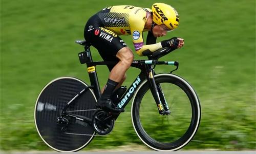 Roglic rampage leaves Yates reeling at Giro