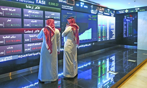 Saudi far outperforms Gulf region, rate hopes boost Egypt
