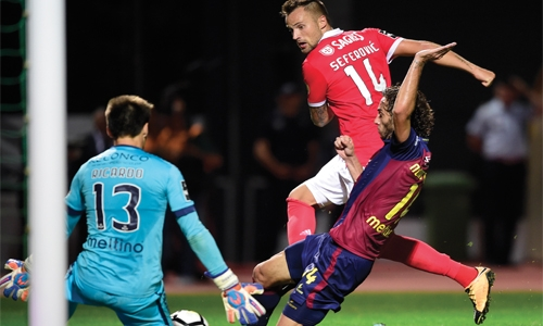 Seferovic lifts Benfica