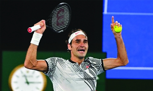 Melbourne master Federer back in top 10