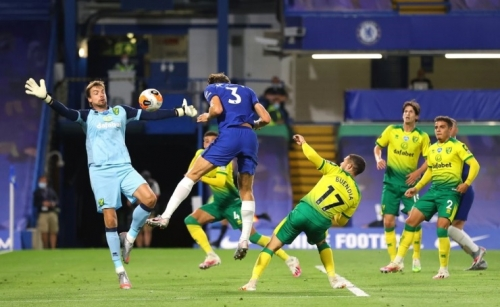 Chelsea edge Norwich to boost Champions League hopes